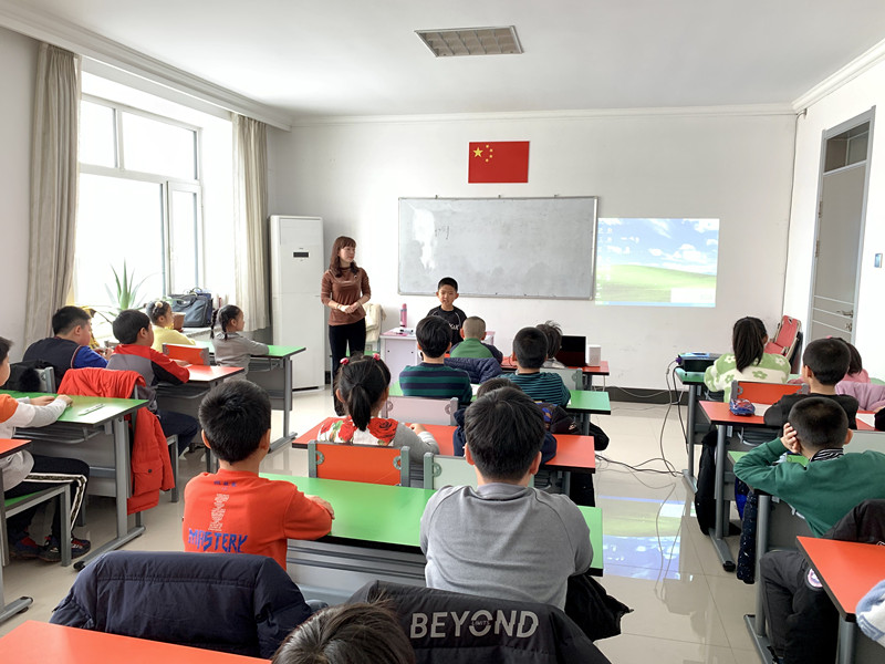 龙井市图书馆语文素养提升培训班开课 01