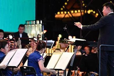 (缩略图)今有管弦雅乐之盛 相守夏夜畅叙浓情