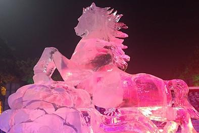 (缩略图)长春市宽城区文旅局打造《奋进宽城》主题冰雕展